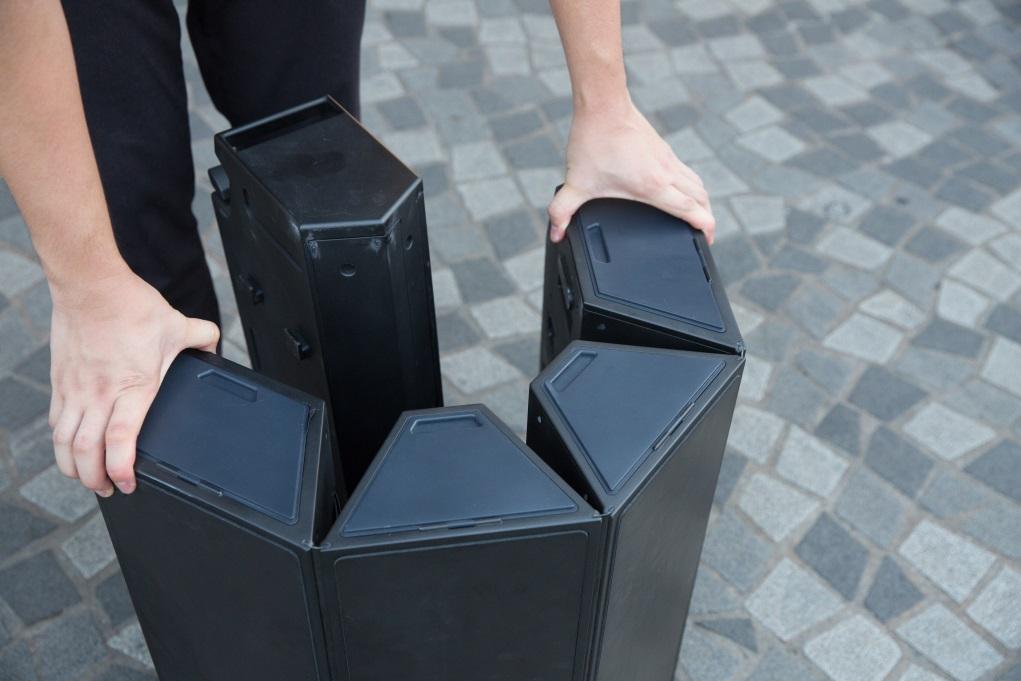 六角型行李箱,分為舞台及拉捍收納箱兩部分。