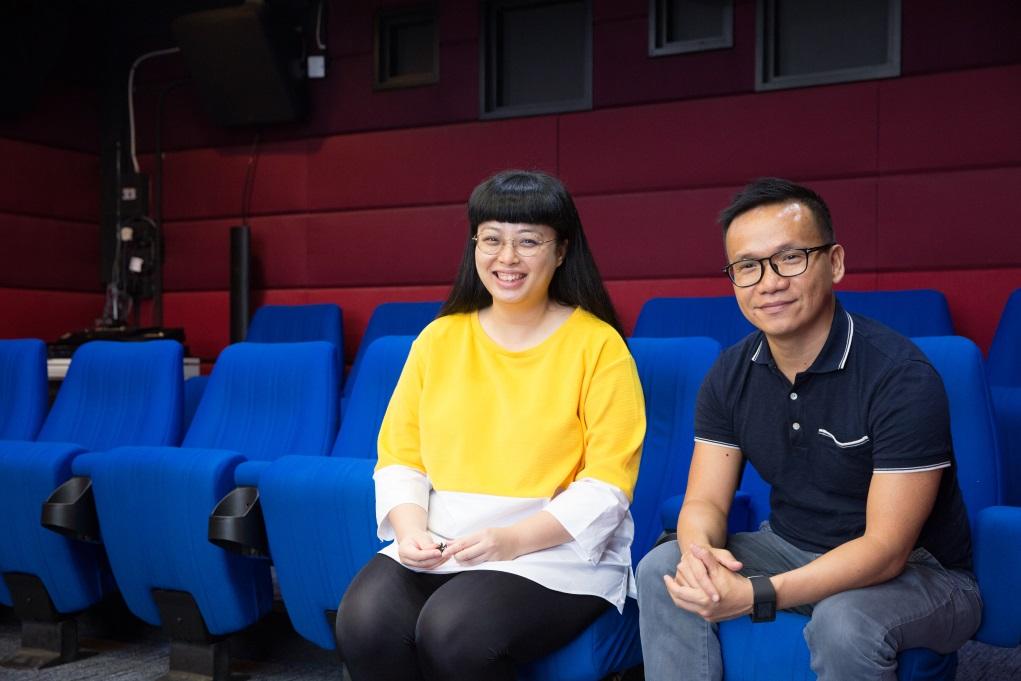 (右)麥聖希選擇開、閉幕電影時,考慮的是影片的質素,以及它是否需要這種曝光,而胡芷晴(左)則選了許多紀錄片作品,她認為台灣的紀錄片可算亞洲區最強。