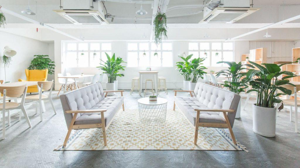 好時光是個共享工作空間,講究空間感,日間有自然光滲進室內。