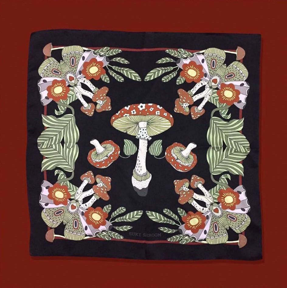 SUKI SHROOM配飾都繪有蘑菇和動物圖案。