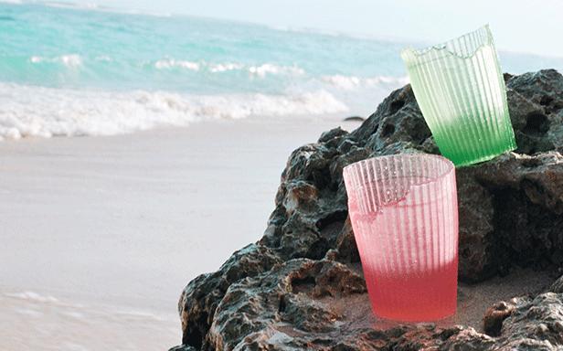 即棄杯子以海藻製成,同樣可以食用。