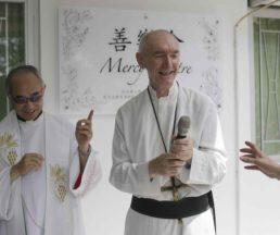 陳志明副主教(左)與胡神父,他人生最快樂的一天