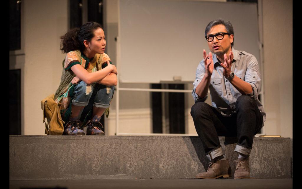 舞台劇《教授》劇照,是莊梅岩在創作上的轉向。
