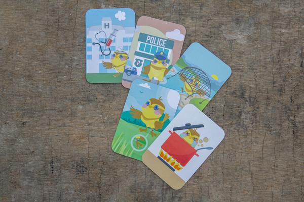 不同角色的玩家要利用功能卡作攻守,當中「地獄廚房」(右下)正是反映了內地食用禾花雀的情況。