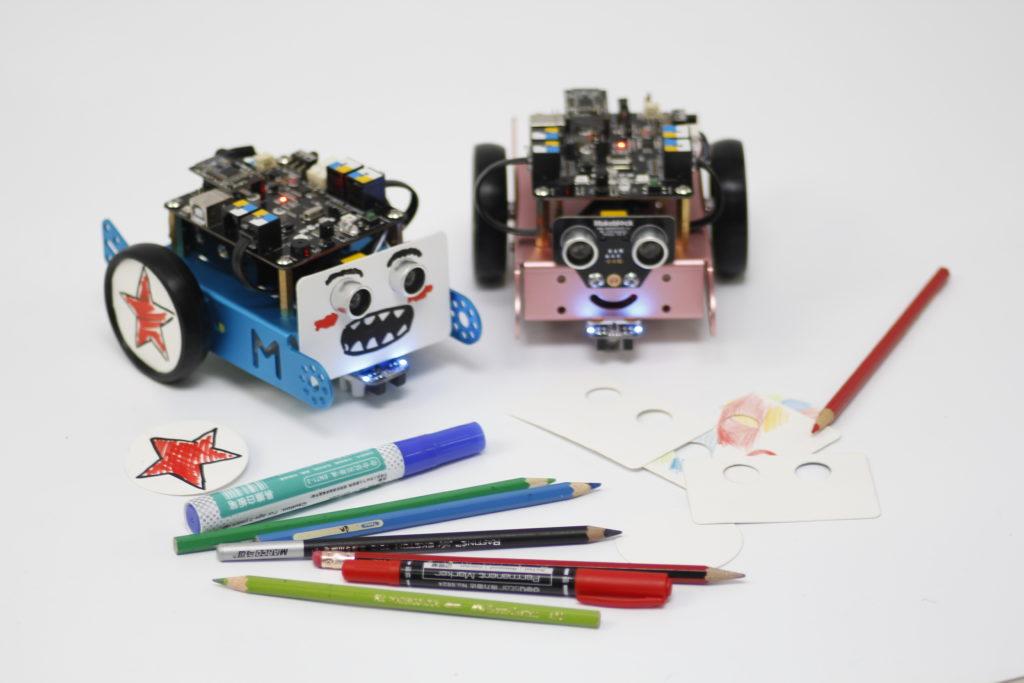 利用不同Makeblock零件,可組成各種機械人,就如砌積木般簡單。