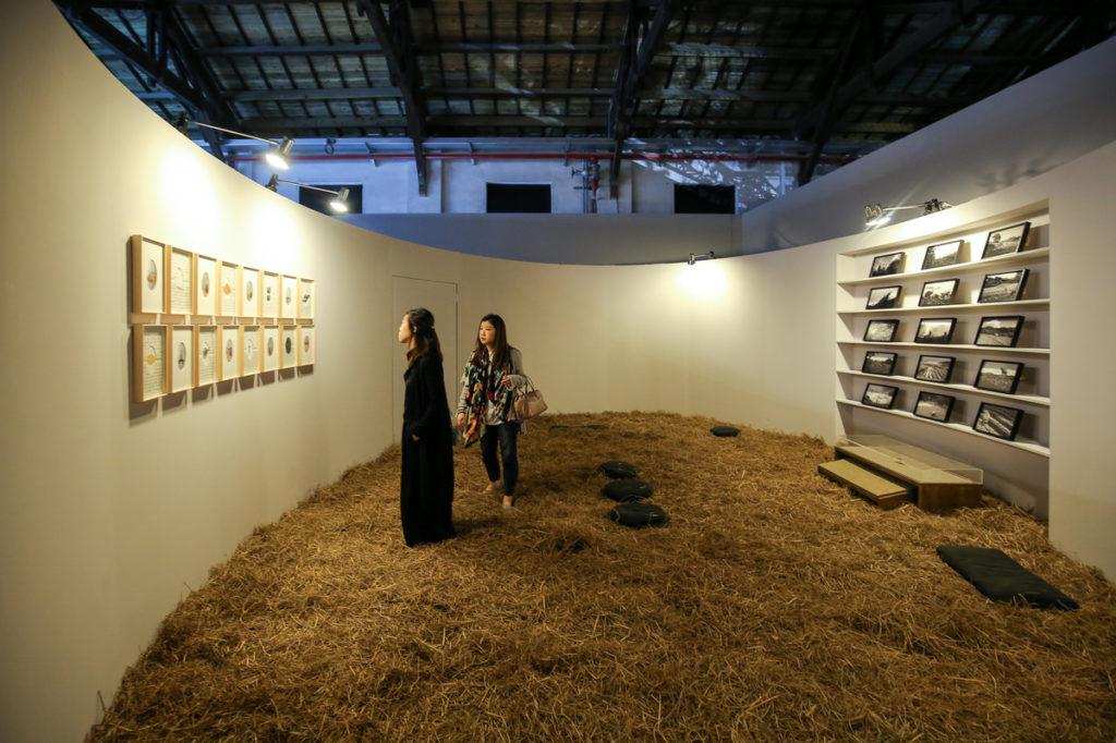 藝術家吳耿禎與剪紙合作社共同創作的《豐沛之島》,在松山文創園展出。