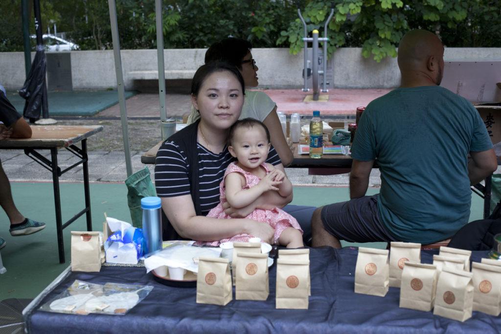 賣茶葉的湯小姐希望天馬苑有定時定點的墟市,解決跨區買日用品之苦。
