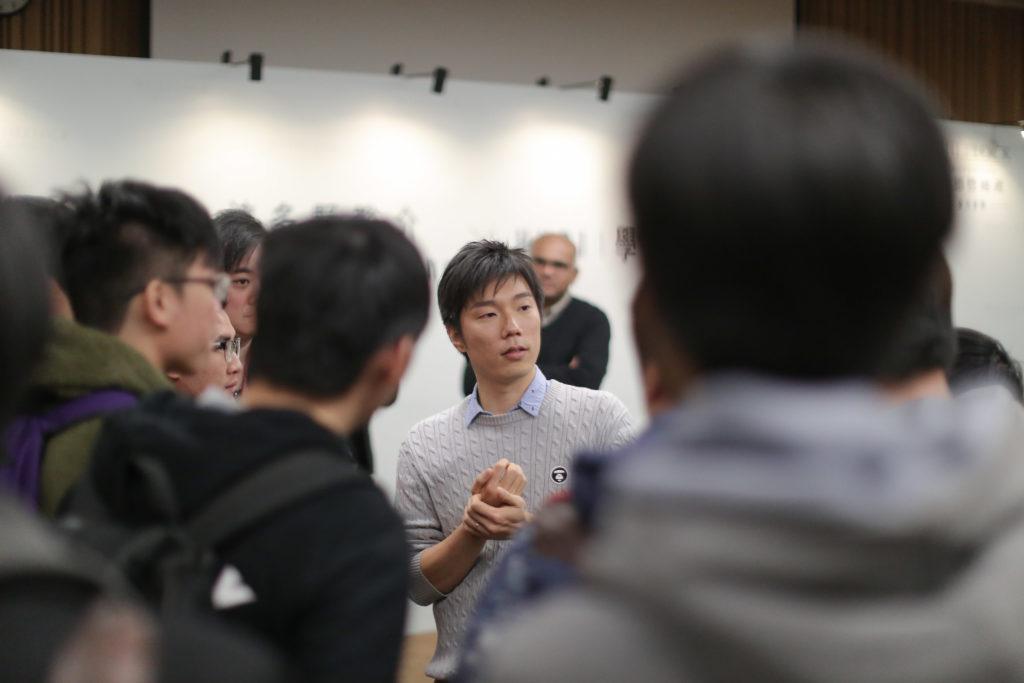 早前在會德豐地產與香港知專設計學院合辦的音樂分享會上,波多野裕介面對學生們的提問,耐心地一一解答,他還高興地說有不少學生也是Final Fantasy的Fans。