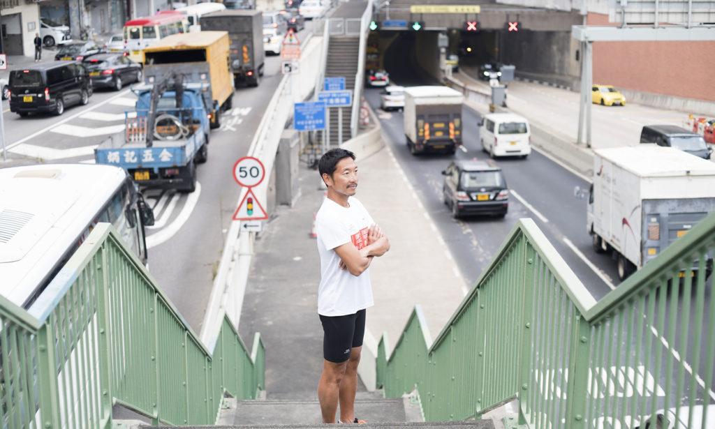 位於土瓜灣的啟德隧道是街馬賽道的其中一段,親朋好友可站在天橋上為參加者打氣。