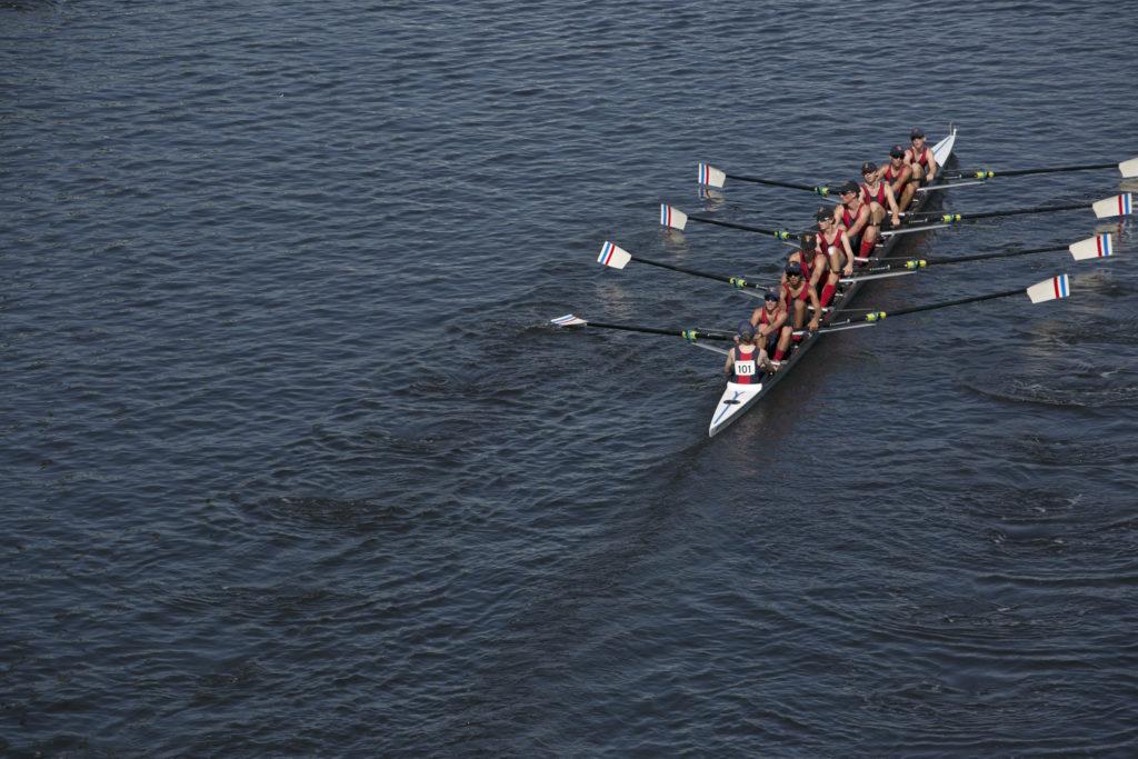 程七天,每天都見到有人在雅納河划艇,更幸運地在周末遇上划艇比賽。