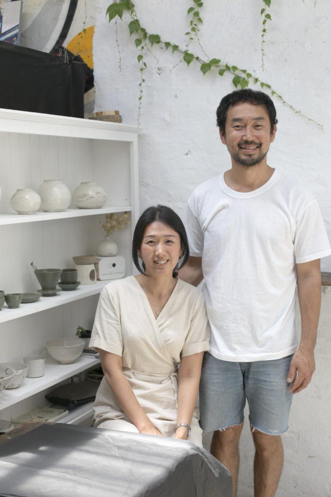 Jae(左)和男友,韓國陶瓷情侶,人與所賣物件,都流露一身素淨。