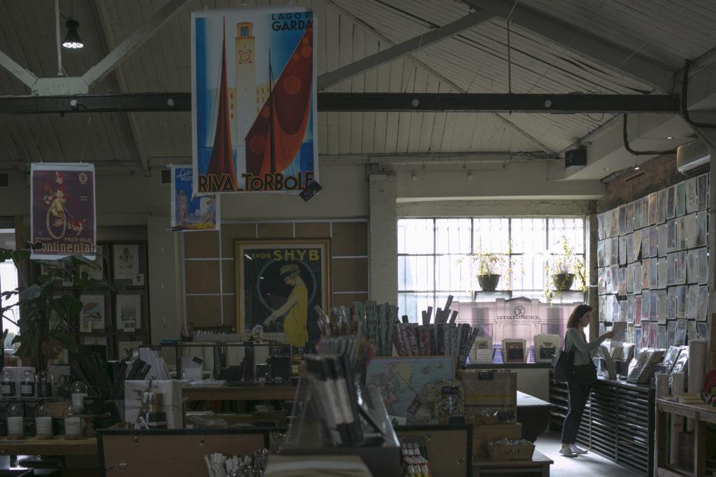 擁有一百七十八年歷史的建築,今天成了一間特色紙店。