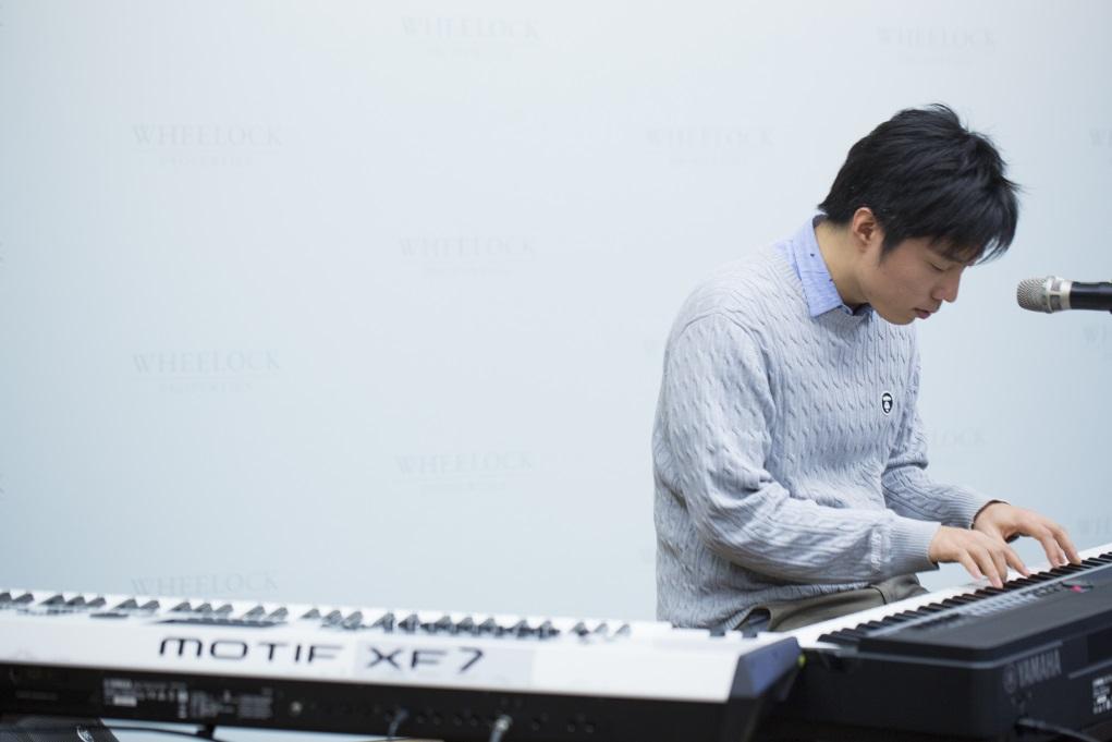 在酒店當鋼琴手的經驗,令波多野裕介掌握到觀眾對不同音樂的反應。