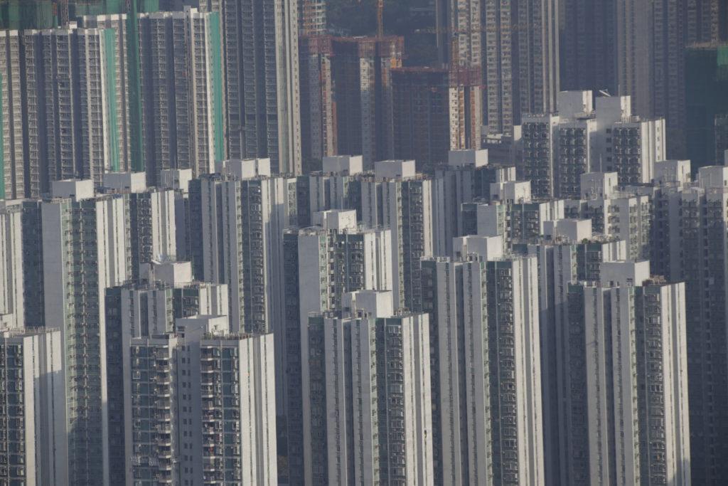 余光中見證沙田新市鎮發展,中英談判之時,他選擇回台灣生活。