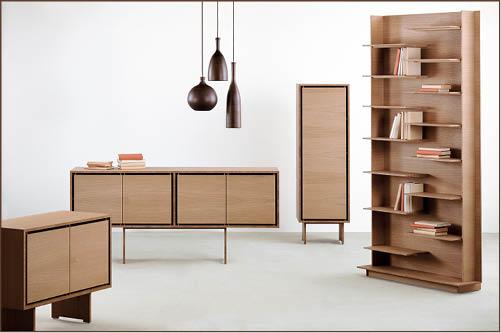 "Kerning Collection是他近年的得意之作,靈感源於明式家具風格,難度之高在於運用極為薄身的木板支撐整個櫃子,上重下輕而又不失平衡。作品令他贏得2015年年度傢俬設計師大奬,評審形容它""Perfect proportions. Makes wood sing."""