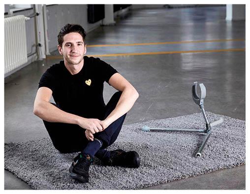 荷蘭大學生Glenn da Silva為行動不便的老人設計性行為輔助器。