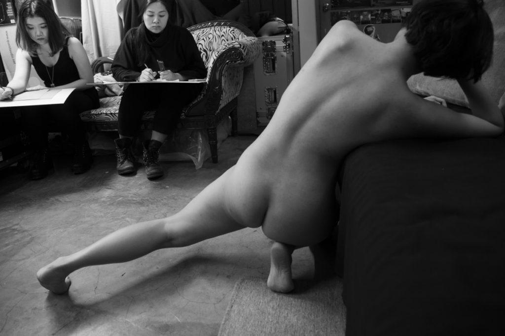 Kiwi希望在三十歲前為自己做點事,其中一件重要事就是當人體模特兒。