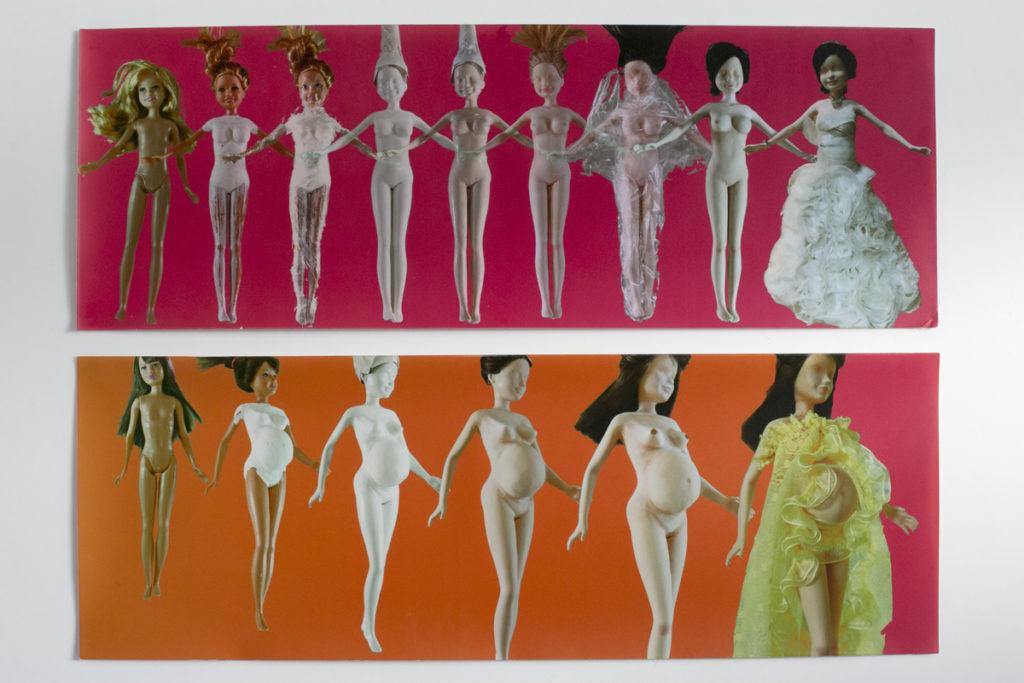 在《Perfect Hong Kong Transforming Dolls》中,周穎璇形象化了香港女性怎樣讓自己「蛻變」得如玩偶一般。