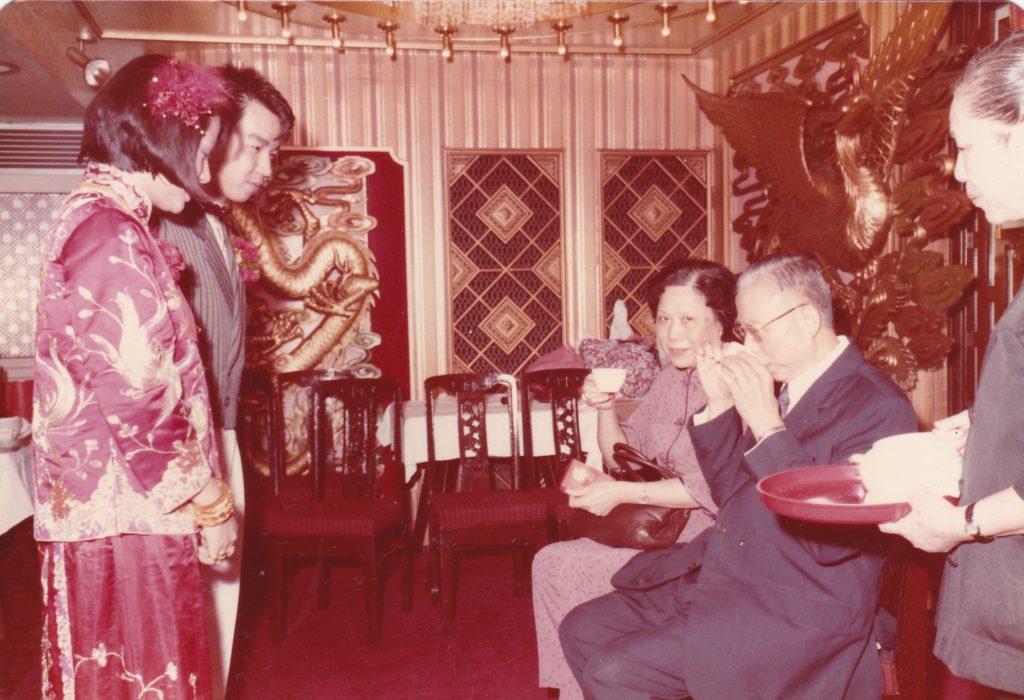 拍攝年份:1970年代 地點:旺角某酒家 鳴謝:圖片由舊照收藏家許日彤提供