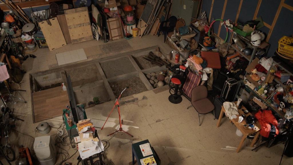 胡師傅的工作室存放各式各樣不同材質的東西,就似變出魔法的道具。