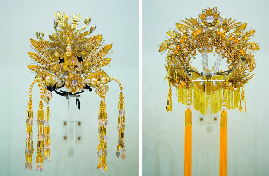 把文髻(左)和武髻(右)分拆開,便成為兩件獨立的頭飾。