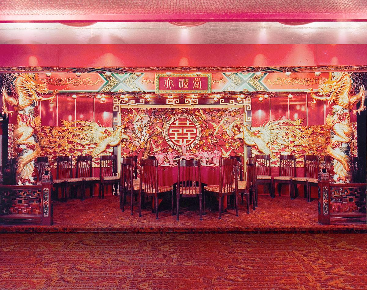 上環鑽石酒家的龍鳳大禮堂已捐贈予香港文化博物館收藏,並曾在2016年底至2017年期間《宮囍—清帝大婚慶典》展出。(圖片由鑽石酒家提供)