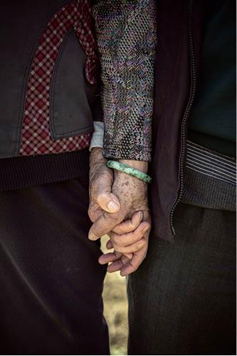 執子之手,與子偕老。這一執,執了差不多七十年。