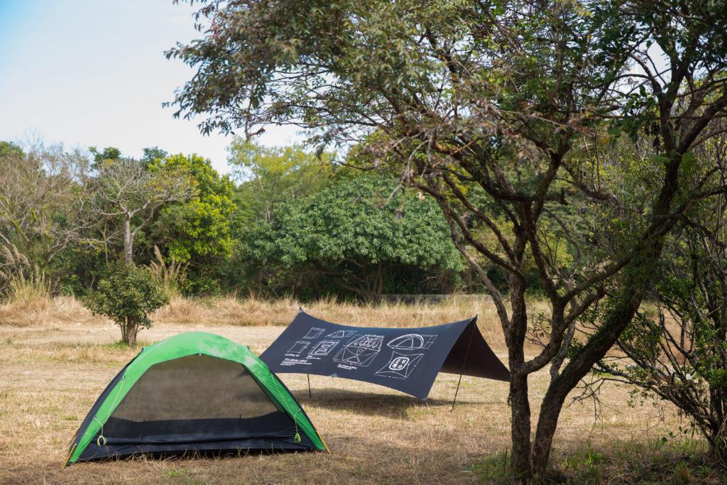 親自設計露營營幕和天幕,Tara特別加強物料的防風和防水能力。
