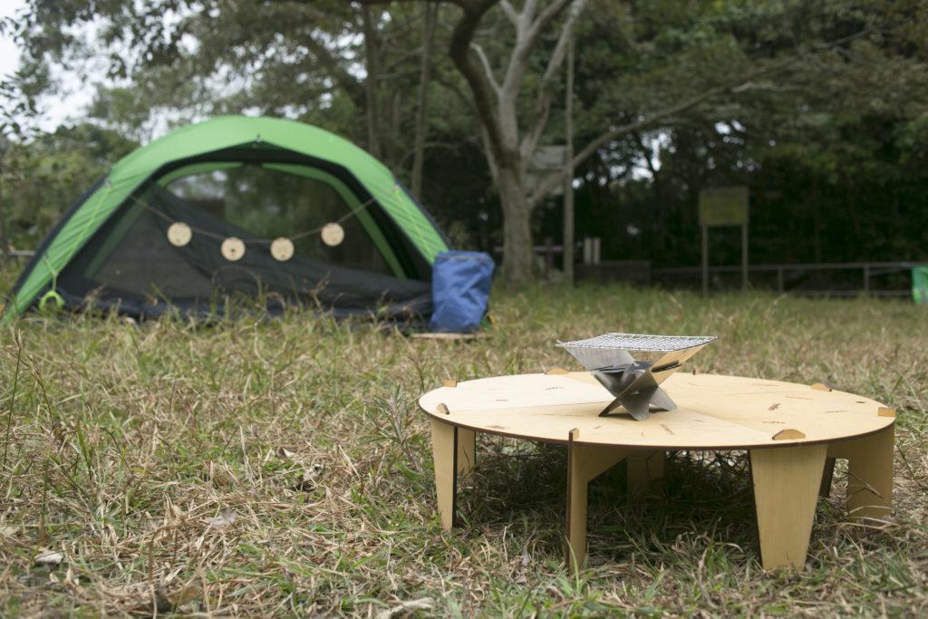 由桌子、野炊爐、遠足背包到露營營幕,全部都是香港設計和人手製造,輕巧、靈活、具功能性之餘,亦重視外型美觀。