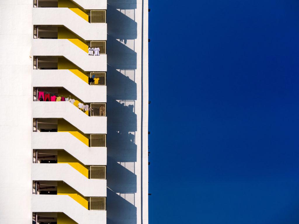 William以一幀「公屋相」《天梯》獲得國家地理(National Geographic)會德豐青年攝影大賽「香港地」組別佳作獎。