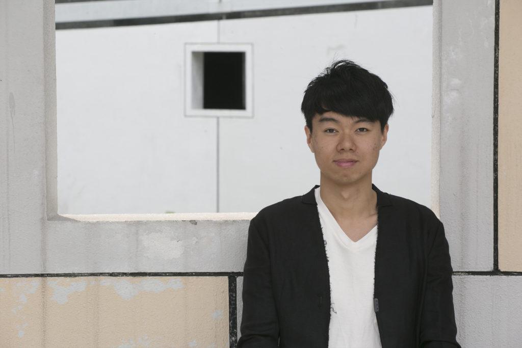 對陳鈞樂而言,面對藝術界的社交場合也是一場挑戰。