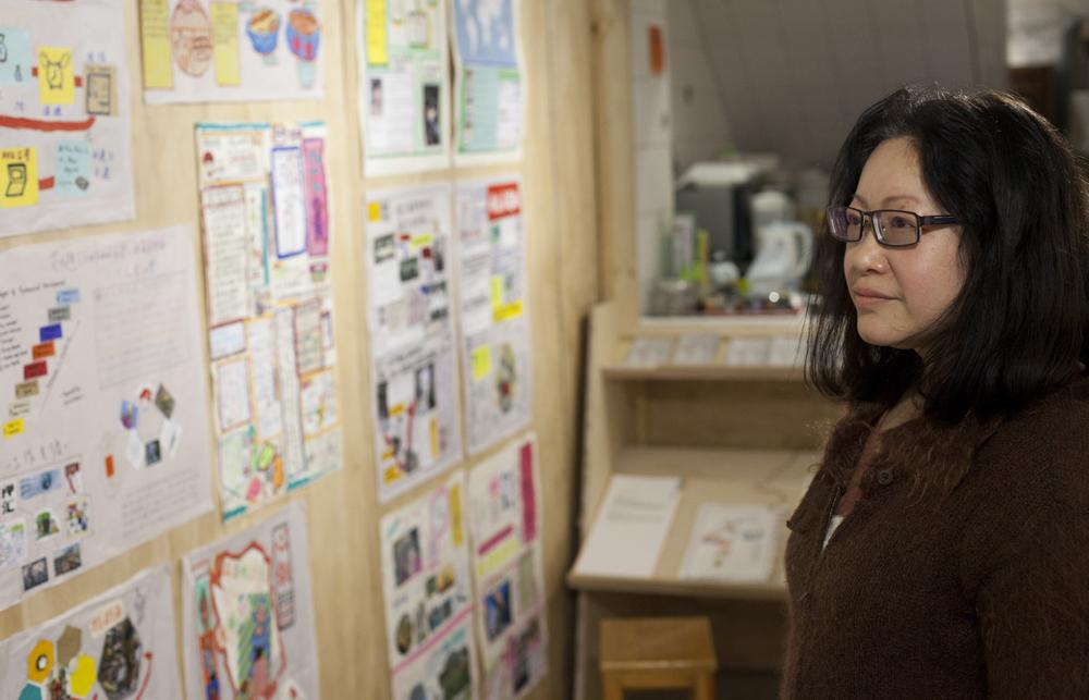 Marina到四十歲,終於找到自己喜歡的工作 - 遊戲治療師。