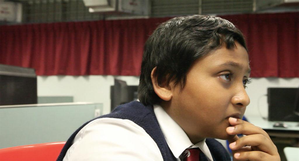 部分香港學生對IT沒興趣,印裔男生Soumik卻想承父業,夢想進入Google工作。
