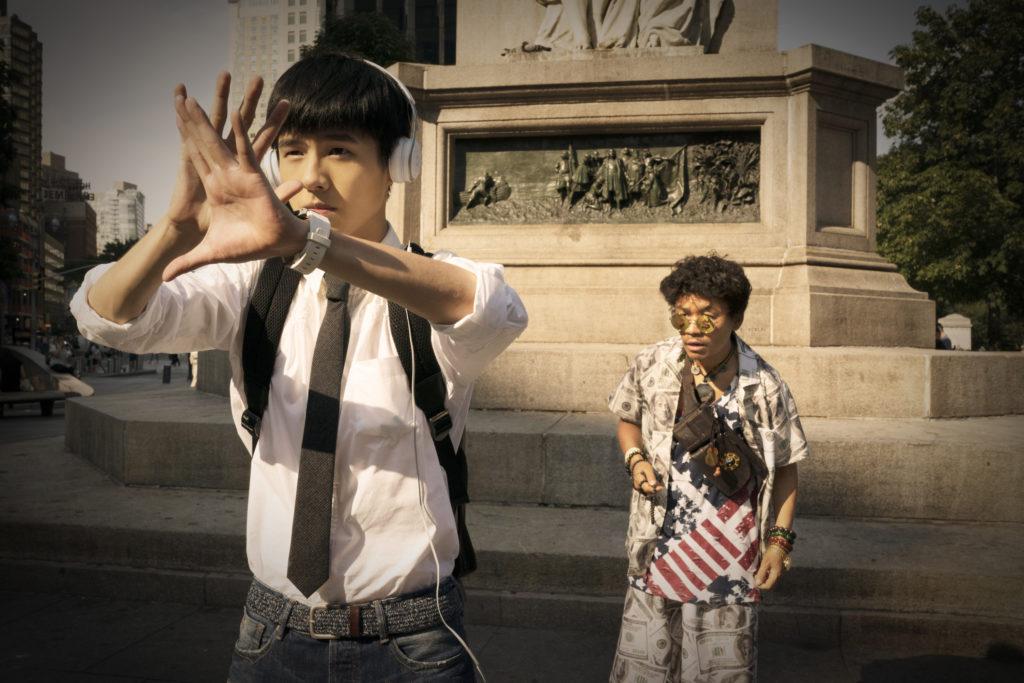 《唐人街探案2》兩位主角劉昊然(前)與王寶強(後)。