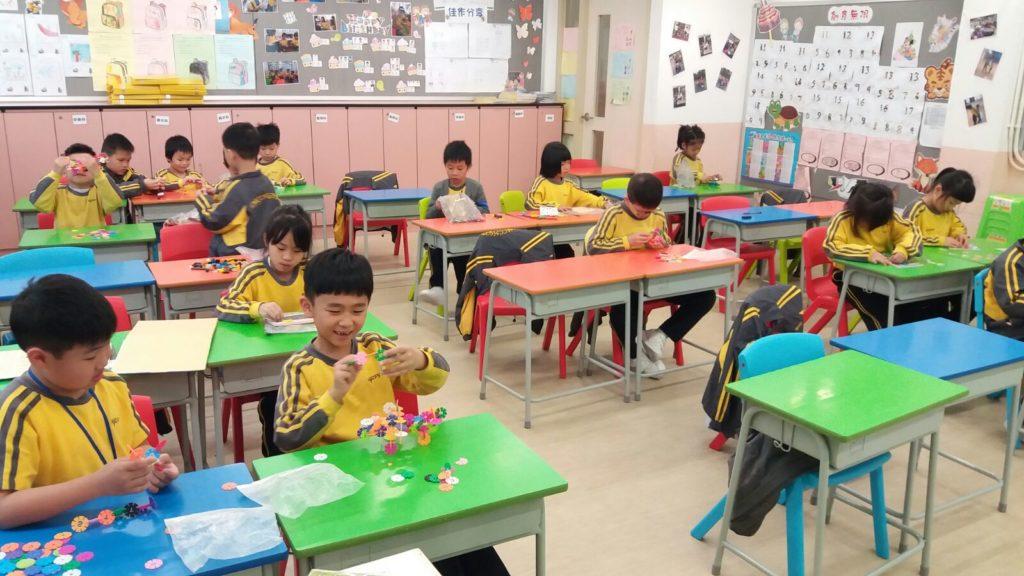 有老師嘗試在下課前安排十分鐘自由小遊戲。