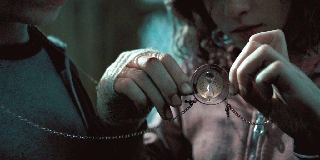 《哈利波特—阿茲卡班的逃犯》中的Time-Turner(時光轉換器。
