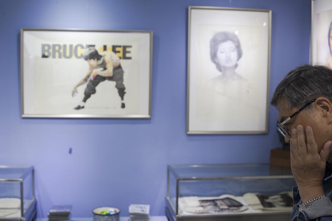 阮大勇畫盡幾許港產片風流人物,電影圈曾經有個說法:「有阮大勇畫的海報,票房必定大賣」。