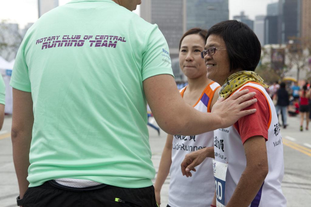 跑馬拉松後,覺說學會打開心扉,接受別人的幫助。