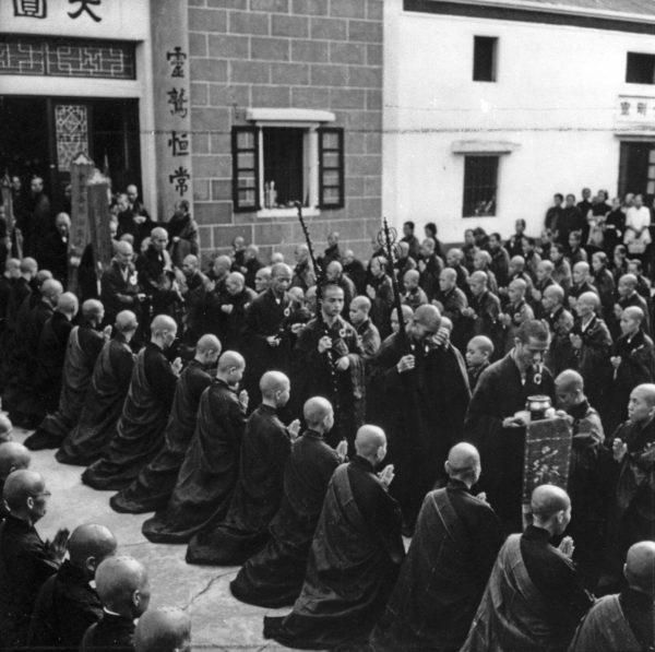 上世紀六十年代,大嶼山上的僧眾。