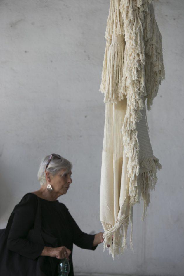 用沒有殺生的絲編織出來的布料。