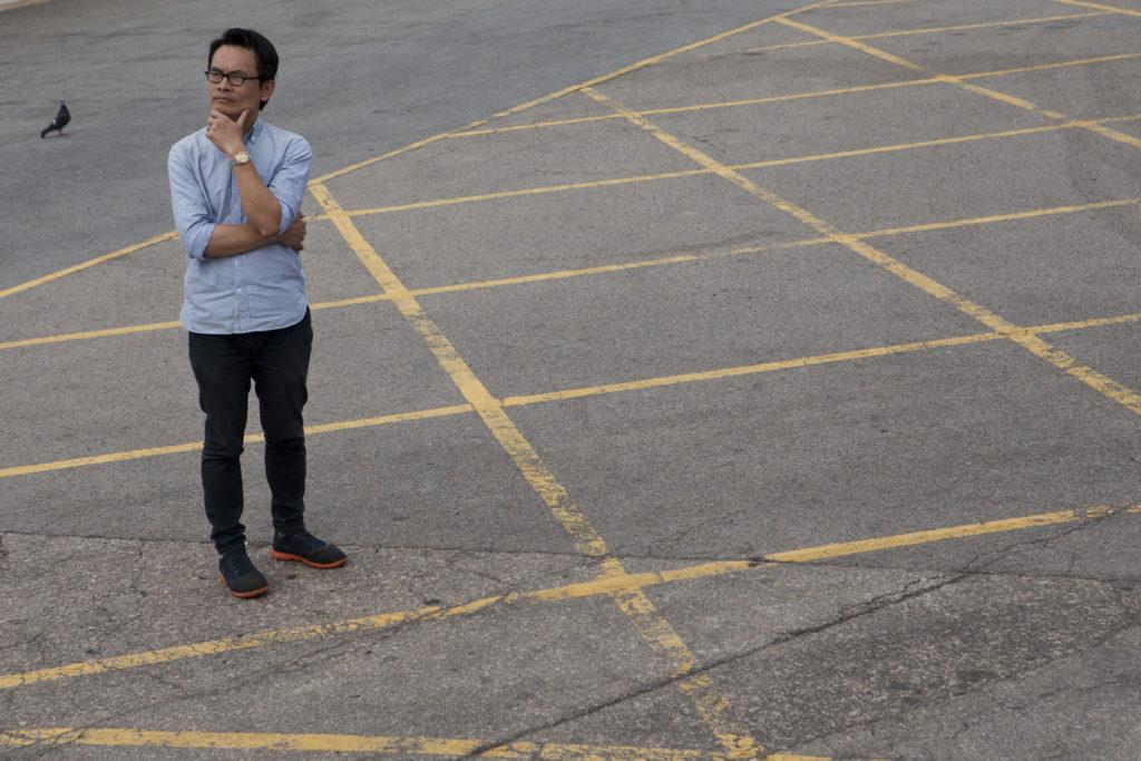 色情文化研究者小草曾出版《有咁耐風流》一書,為香港編寫風月史,著作當年竟被書展列為禁書,令他慨歎香港對色情文化的漠視與歧視。