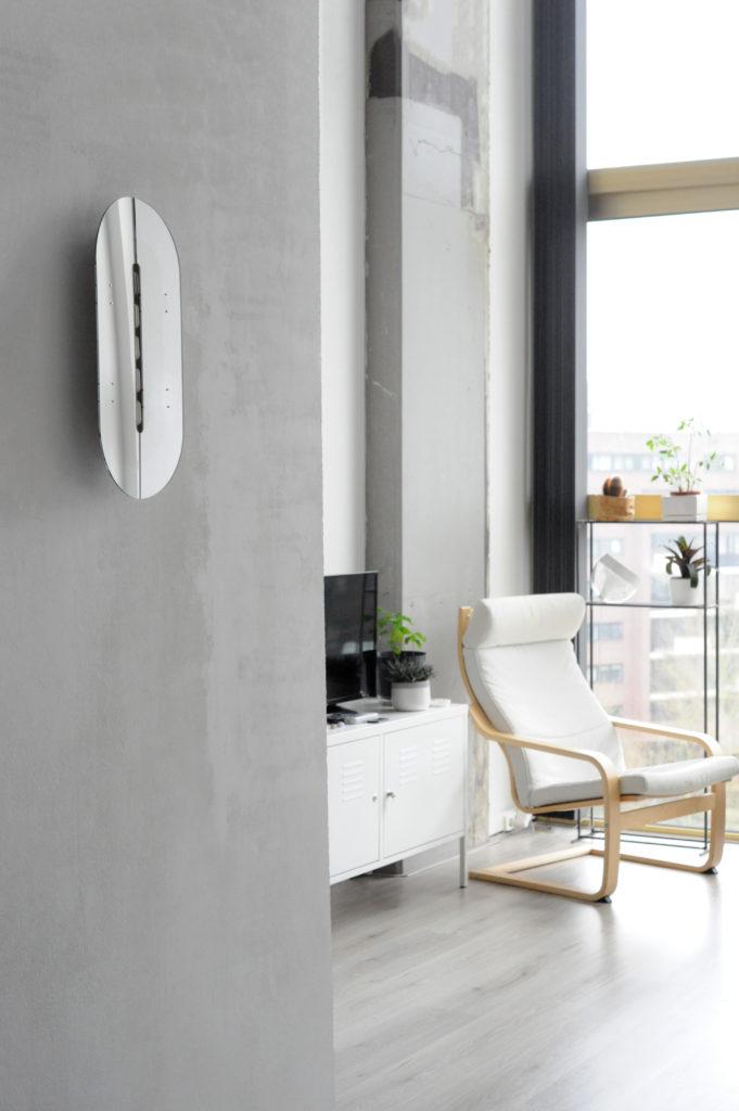 安裝在家內,就如一塊鏡子,易用又充滿設計感。(圖片:Angéline Behr)
