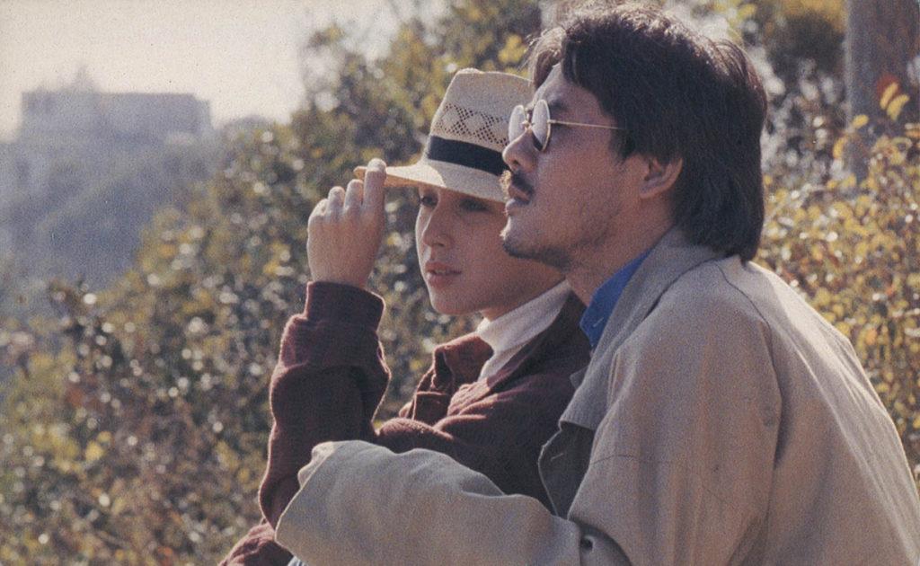 九七回歸大限將至,電影中敏珍與John遇上不少衝激。