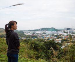 橫洲事件未解決,畢業後Amy不時周末協助辦導賞團,讓市民了解三村的困境。