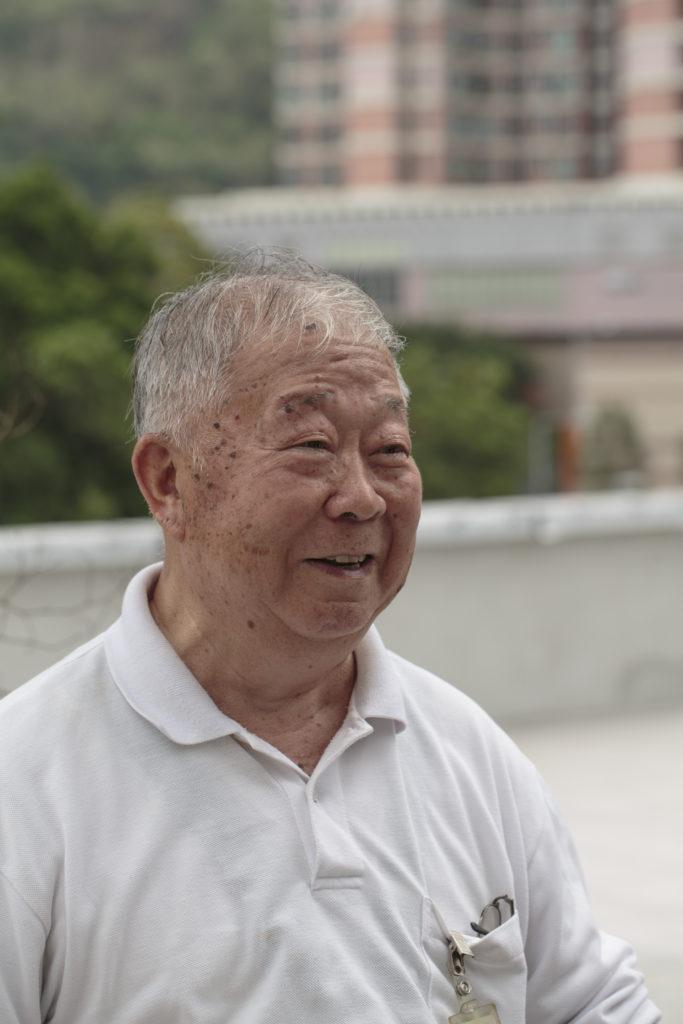 任職機電部門的張瞿康,在南豐工作了三十多年,而且跟南豐創辦人同樣是寧波人,當年常跟公司往返寧波。