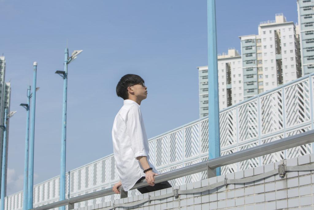 香港的學童自殺事件早已引起各界關注,而生命教育劇場則讓一眾青少年向觀衆細説少年愁。在劇中,他們不修飾自己的情緒,用最直接的語言道出心中的所思所想。