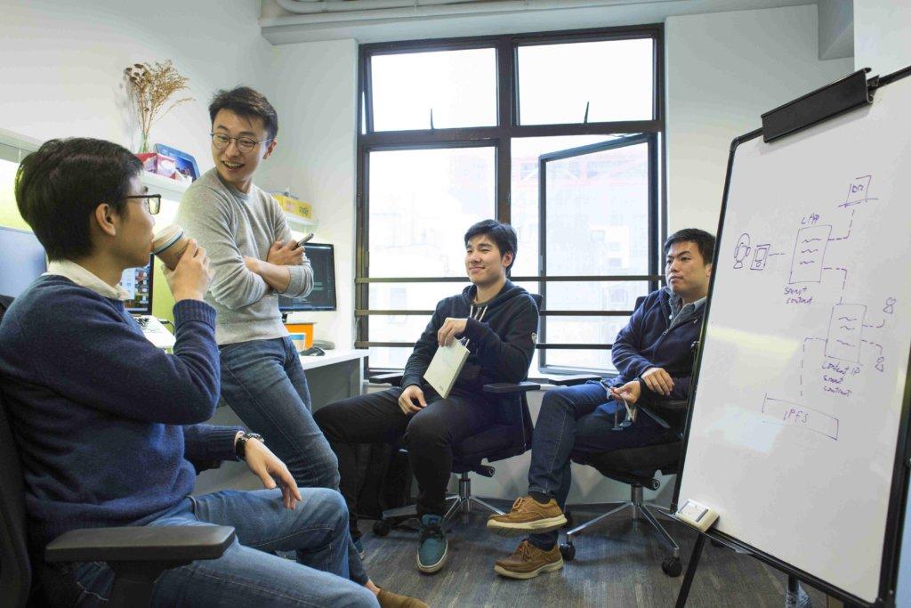 開普勒學院四人團隊:(左至右)鄧進一、鄭朗然、歐陽駿(首度技術官)及彭琨(副總裁)。
