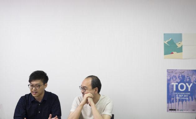 葉梓誦(左)與譚以諾(右)的編輯團隊共九人,這次合作希望在保留自己原有讀者外,再善用對方的資源開拓新讀者。