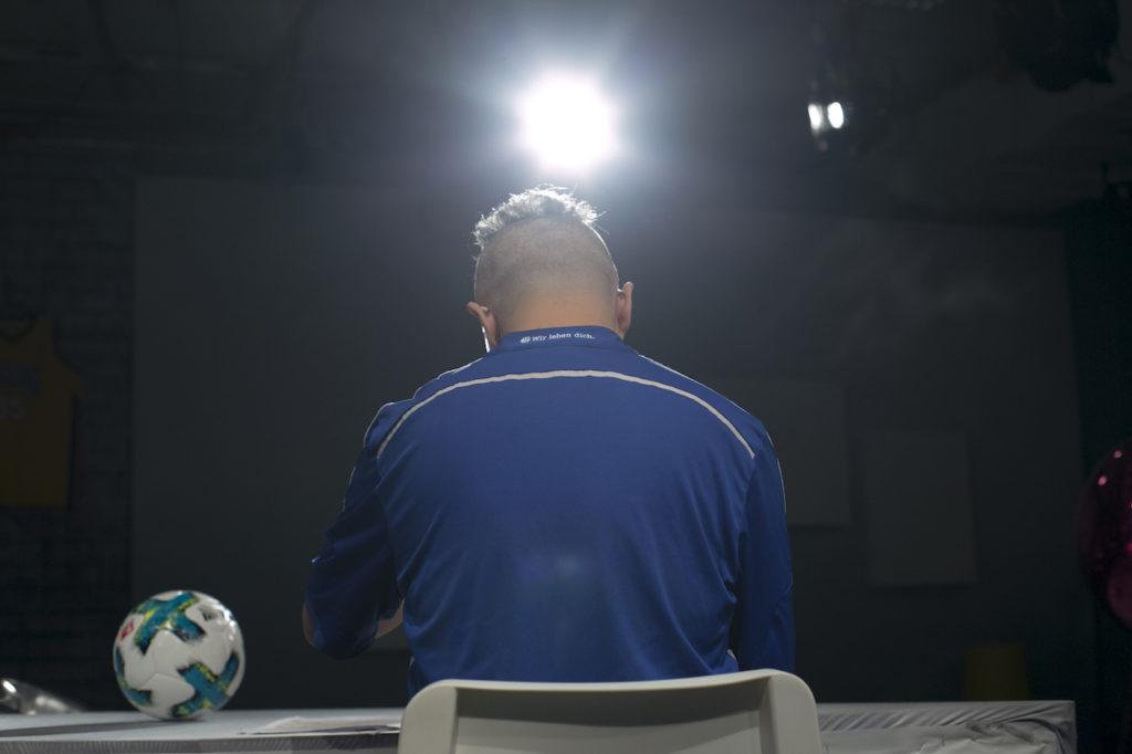 「在香港做德甲球迷,其實有點孤獨。」劉舜文說:「做04的球迷,就真係孤獨到黐線。」