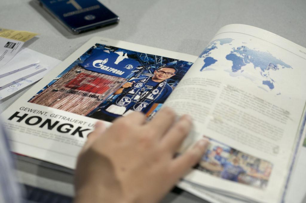 在採訪團訪問過史浩克04球迷會的成員之後,劉舜文反成為球會官方刊物的訪問對象。